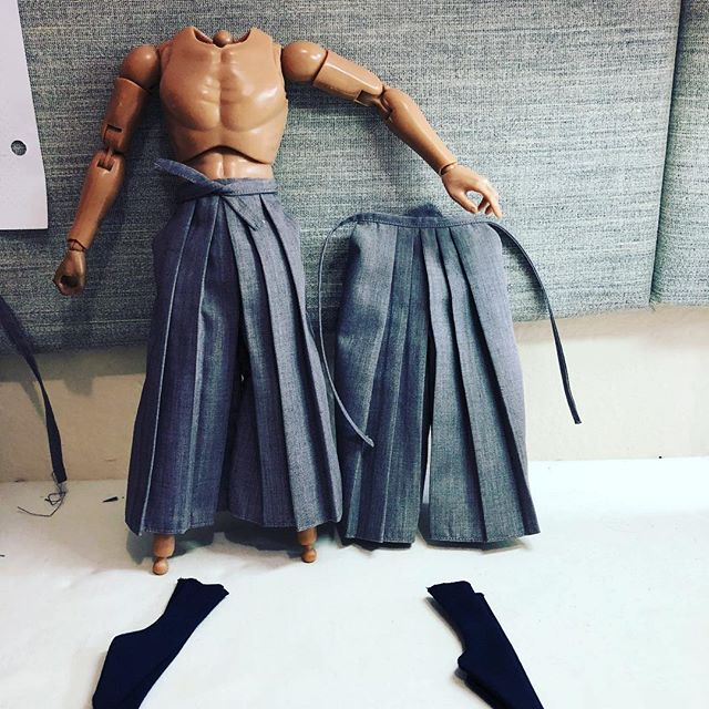 It's a hot day today 🔥. Hakama pants completed; on to the accessories! . . #handmade #costumedesign #pleats #pleat #onesixthscale #onesixth #actionfigures #actionfigurephotography #toycollector #custommade #samurai #warrior #おもちゃ #アートトワイ#アニメーション #人形 #ミニチュア #手作り