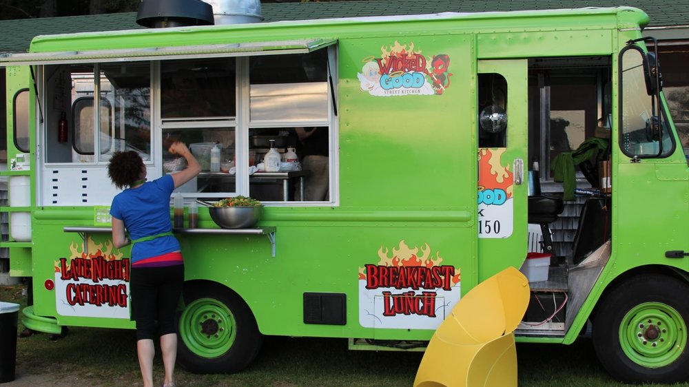 Food truck caterer for wedding at Flood's Cove