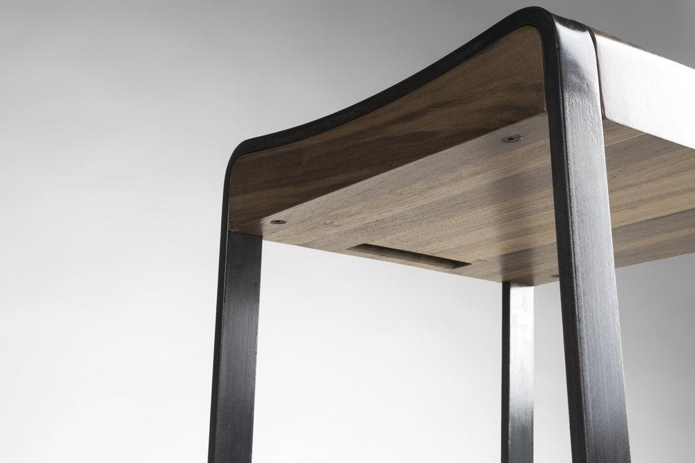 stool_04.jpg