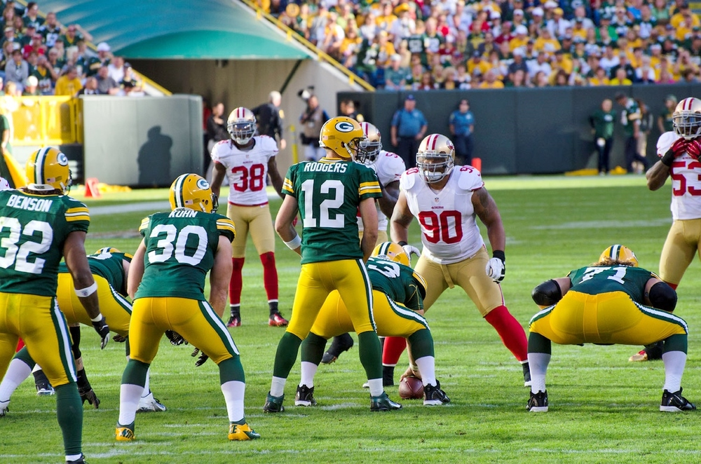 Packers_offense_vs_49ers_defense_2012.jpg