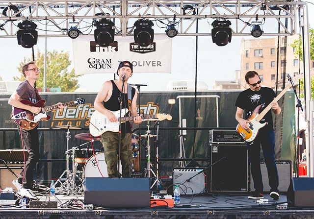#plazaartfair was a blast! Thanks to @inkkcmag for including us and to @people_of_cowtown for the great pics! . . #goldengrovesmusic #inkmagazine #indierock #kcmusic