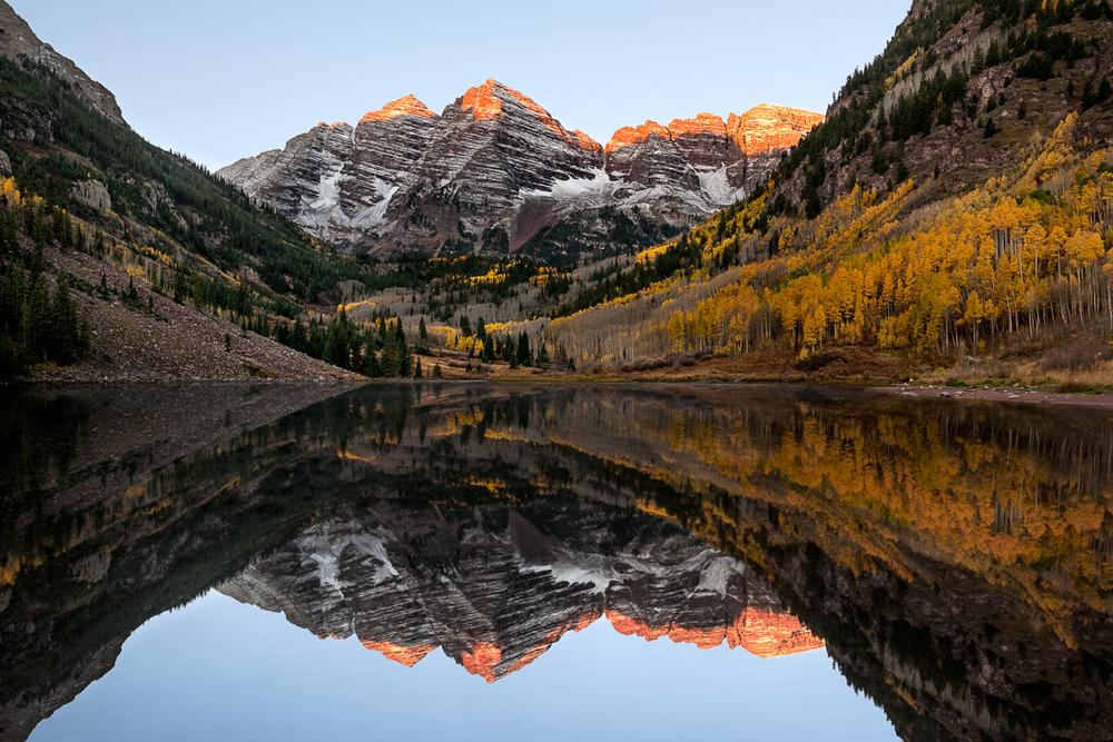 Sunrise at Maroon Bells in Colorado