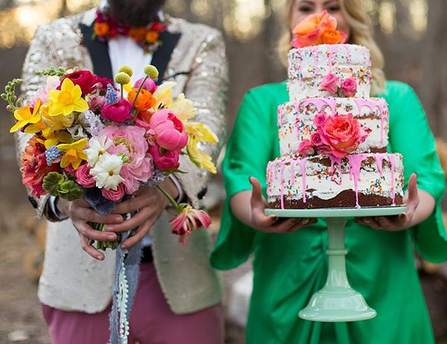 Talk. About. Fun. I just loooove the colors. 😍🤣😍 Instagram Credits: #igniteworkshop2018 by @njsparkco Styling @im_jessica_oh Floral Design @kp_designsfloral Invitation @pennedbyalice Beauty @lightenupsalonandspa Cake #neverlandbakeshoppe Models @missmarynak