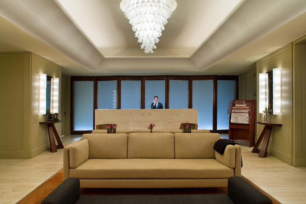 55_wall_lobby1_RDeNiro.jpg