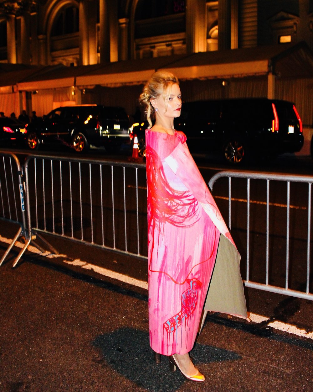 Anais de Contades  is seen wearing her painted canvas at The Met Gala - Performance Art Work