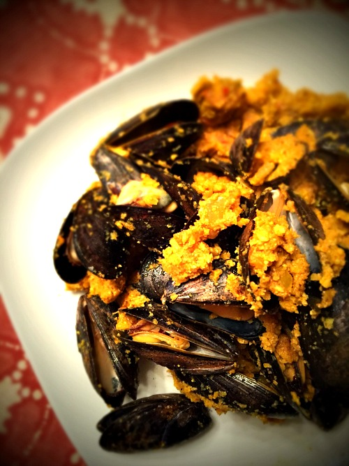Mussels With Sausage and Cauliflower Rice