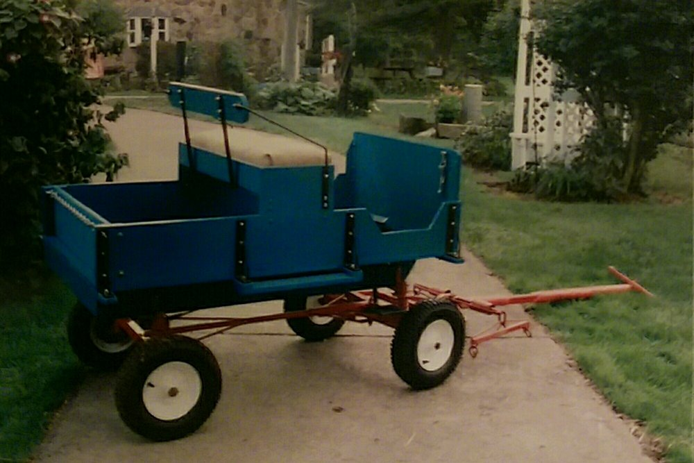For Sale: $800.00 Small hitch wagon, for small ponies (38-45 inches tall) used for wagon train parades. Call: Anita Messner         724-899-3991