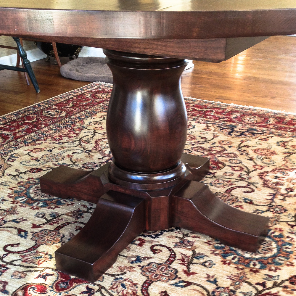 Round Dining Table, Pedestal Base Detail