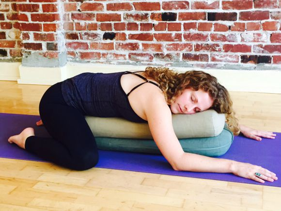 Hope_Clunie_Restorative_Yoga_blog.jpg