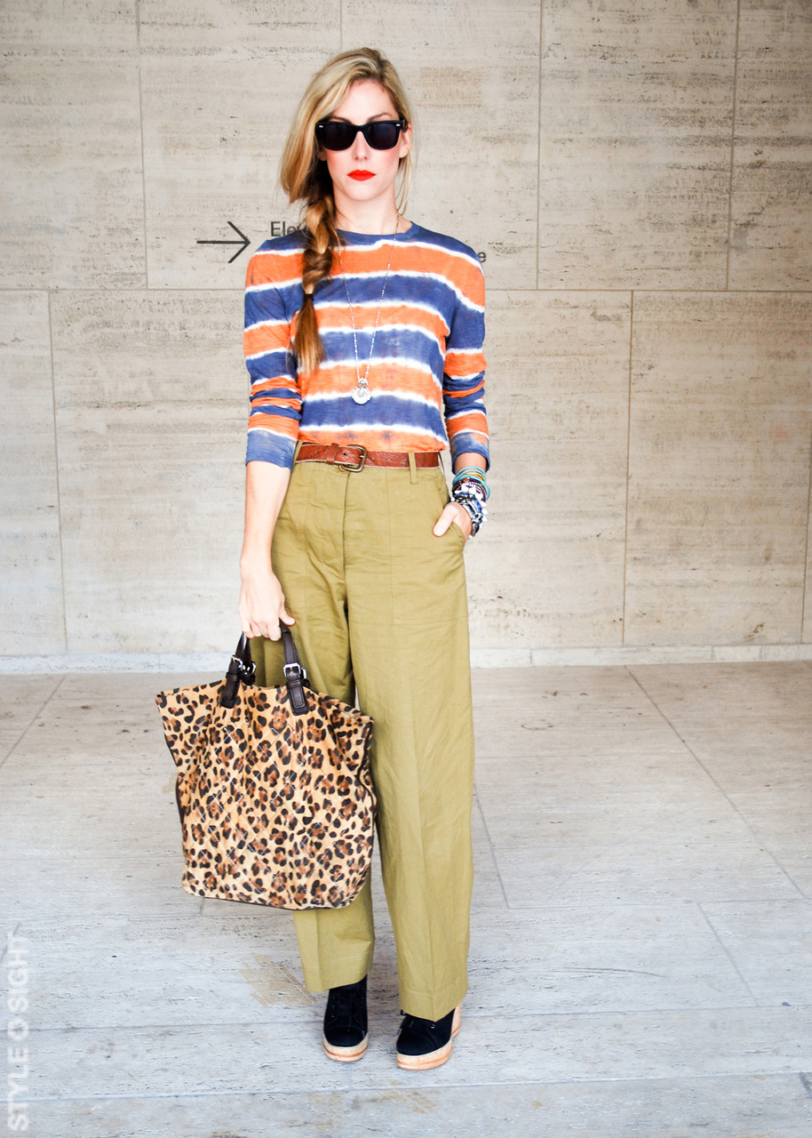 Got A Girl Crush On:  Joanna Hillman, Senior Fashion Market Editor for Harper's Bazaar    Perfect blend of prints, wedges, & bright red lips. HELLO FALL! WE LOVE YOU IN NYC!    ( via  ringoringoringo :  Style Sightings )