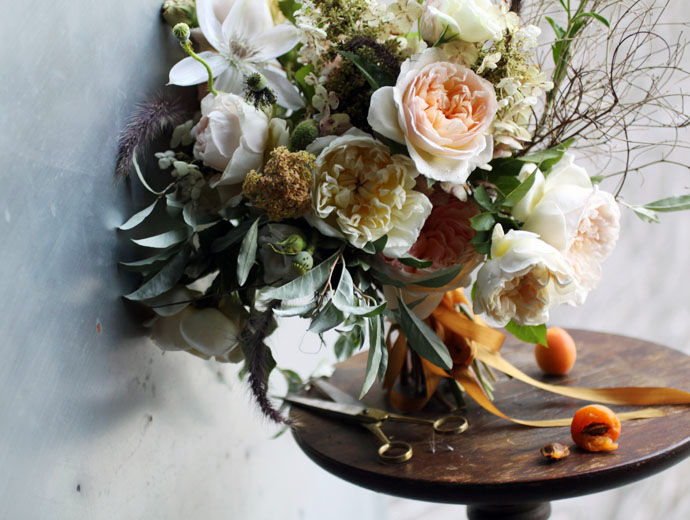 Got a girl crush on:  s a i p u a     For my daily dose of beautiful flowers, I turn to  Saipua  and their excellent blog. Where's that smell-o-vision when you need it?