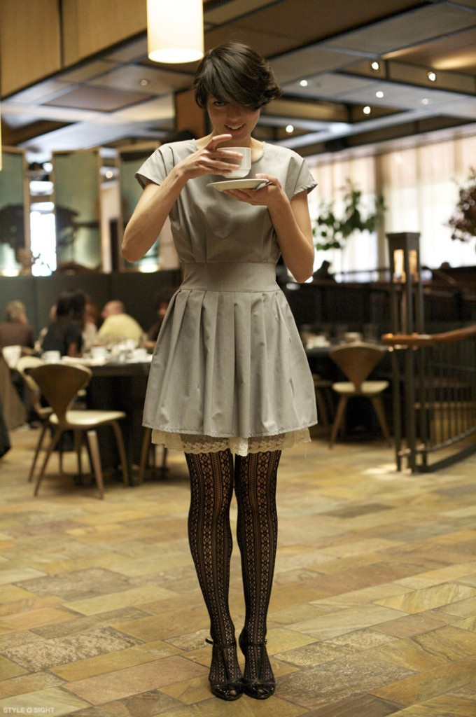 Got a girl crush on: Girl from Tribeca Grand Hotel     Take a nice little break from stressing over your Halloween costume to admire this adorable outfit. Isn't it pre-tea? ( …badum-ching ?)   (via  Stylesightings )