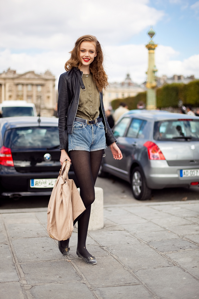 Got a girl crush on: Frida Gustavsson (again!)    Those jean shorts (again)! That buttery leather moto-jacket! Seriously, how cute is she?   >>  altamira