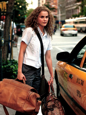 "Got a girl crush on: Keri Russell circa Y2K     I miss Keri Russell as ""UNY""-attending, Noah-or-Ben-loving (Team Ben all the way!), voice-diary-tape-recording, hair-chopping Felicity Porter.   On a related note: Browsing  Felicity  fan sites makes me feel like a 15 year old again. Largely because it looks like these sites haven't been touched in 10 years."