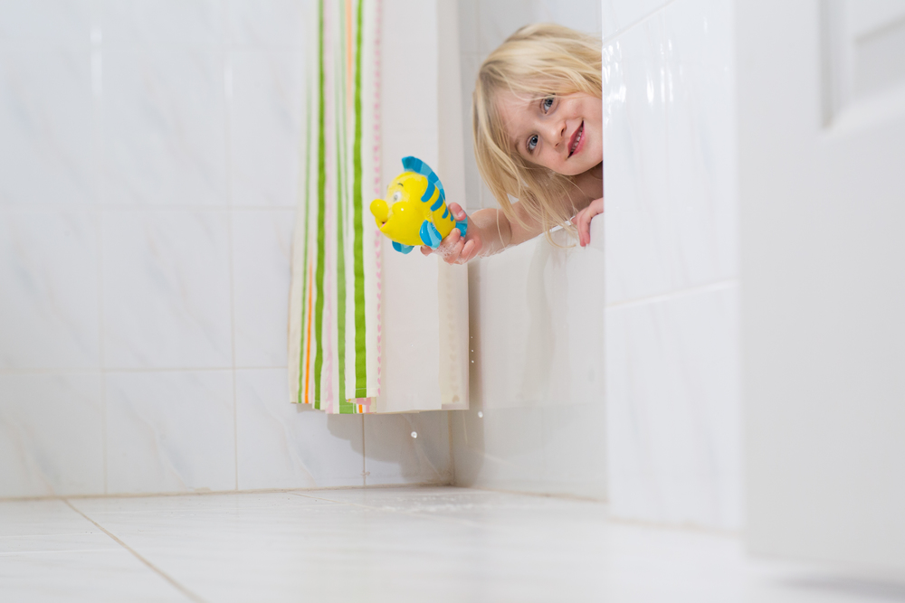 Hello-olivia-photography-lensbaby-tub-girl-flounder.jpg
