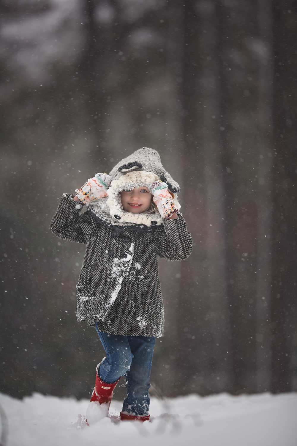 Hello-Olivia-photography-Long-Island-snow-blizzard-play-ice-cold