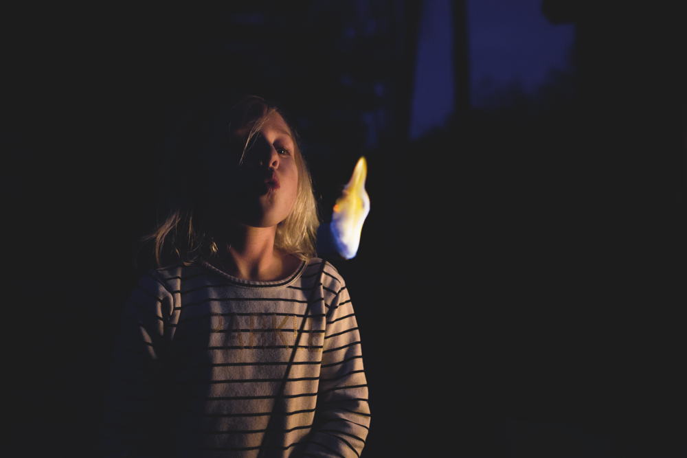 Long-Island-family-photographer-hello-olivia-photography-night-marshmallows.png