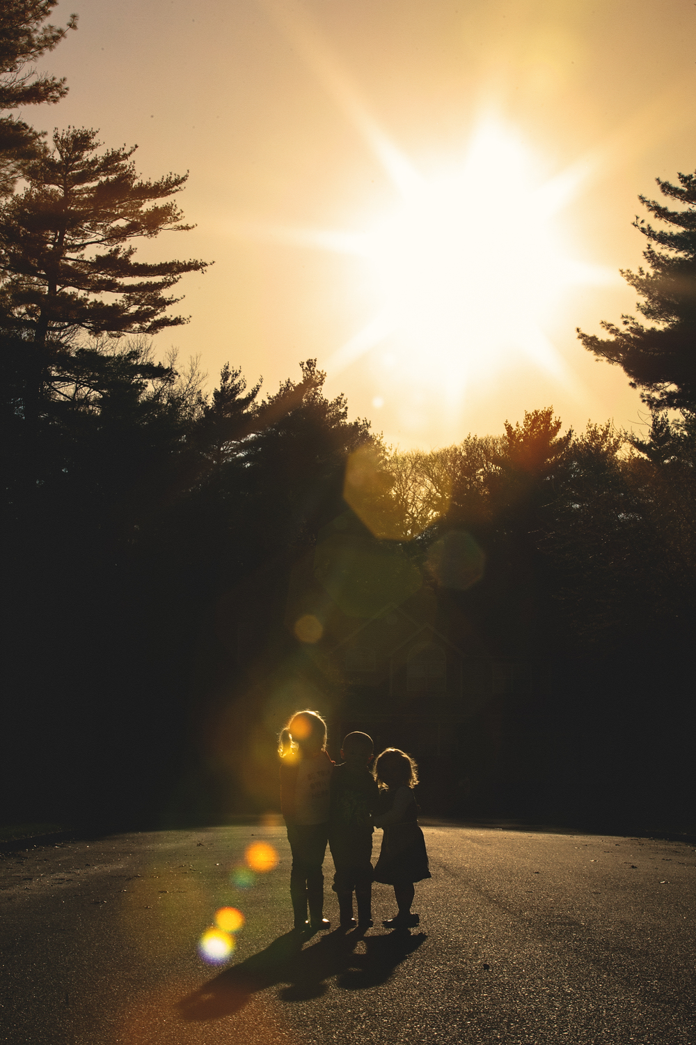 Hello-olivia-photographer-long-island-family-portrait-photographer-middle-island-lifestyle-silhouette-flare