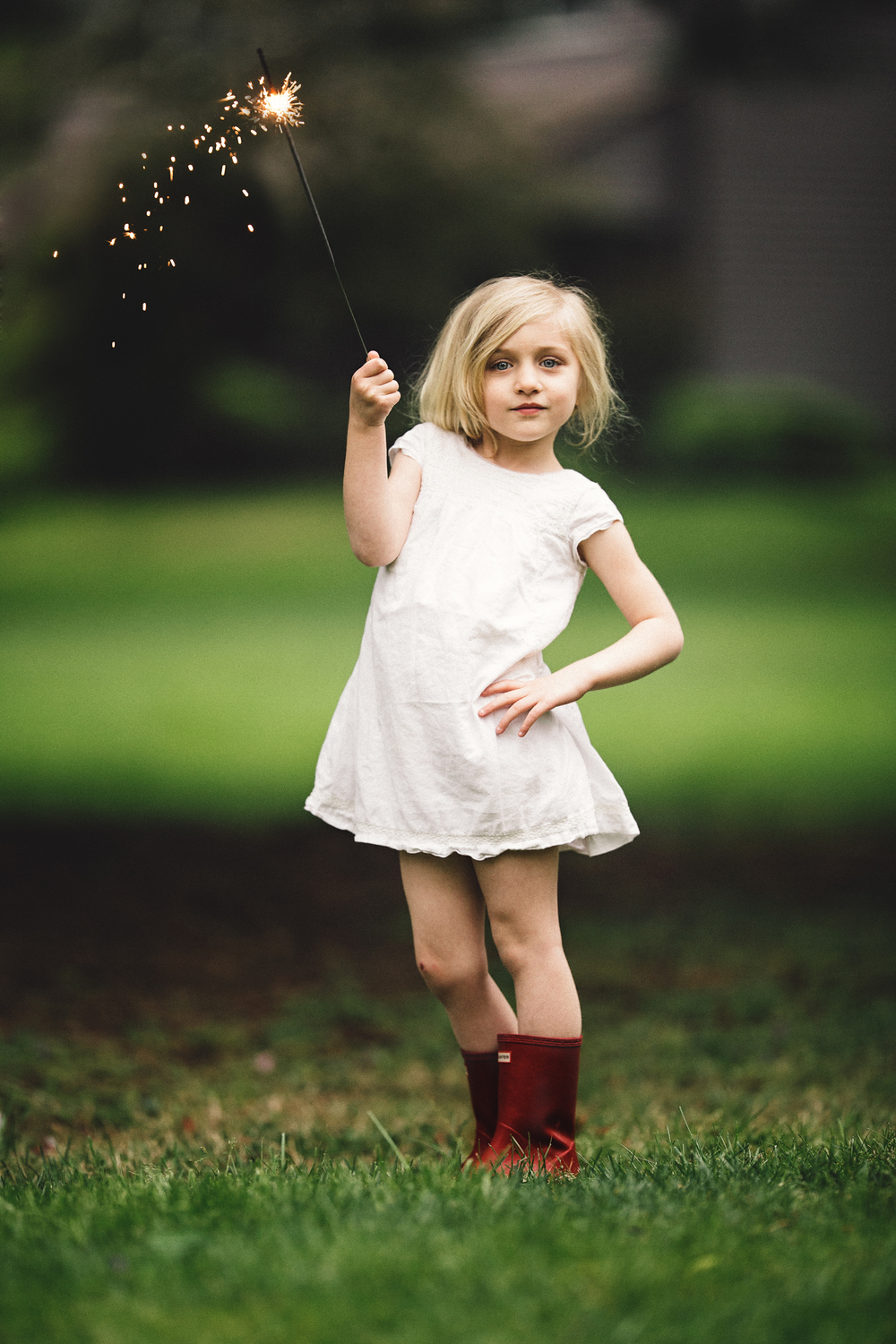 Hello_Olivia_Photography_Long_Island_Family-children-Photographer_sparklers.jpg