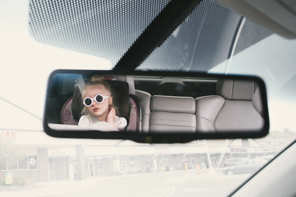 hello-olivia-photography-long-island-family-photographer-in-the-car-middle-island