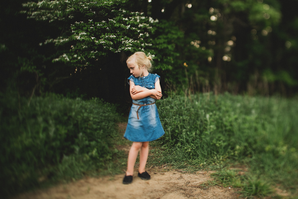Hello-olivia-photography-long-island-family-children-childrens-lifestyle-photographer-freelens-freelensed-blue-dress-girl-moody