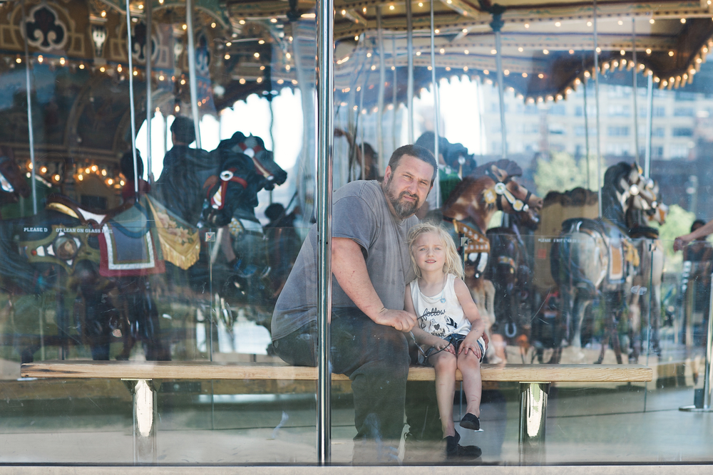 hello-olivia-photography-long-island-family-child-kids-lifestyle-portrait-photographer-yo-dumbo-red-hook-brooklyn-panning-janes-carousel-daddy-session