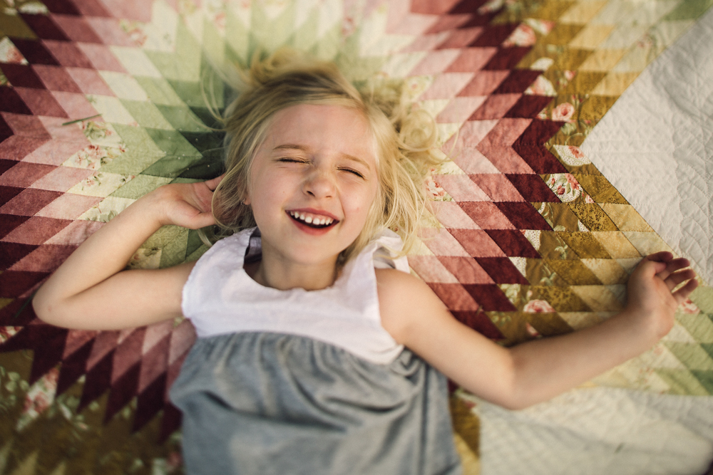 hello-olivia-photography-long-island-family-child-kids-lifestyle-portrait-photographer-star-quilt-sun-from-above