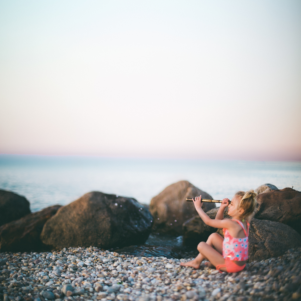 Hello-olivia-photography-long-island-photographer-family-kids-freelensing-beach-spyglass