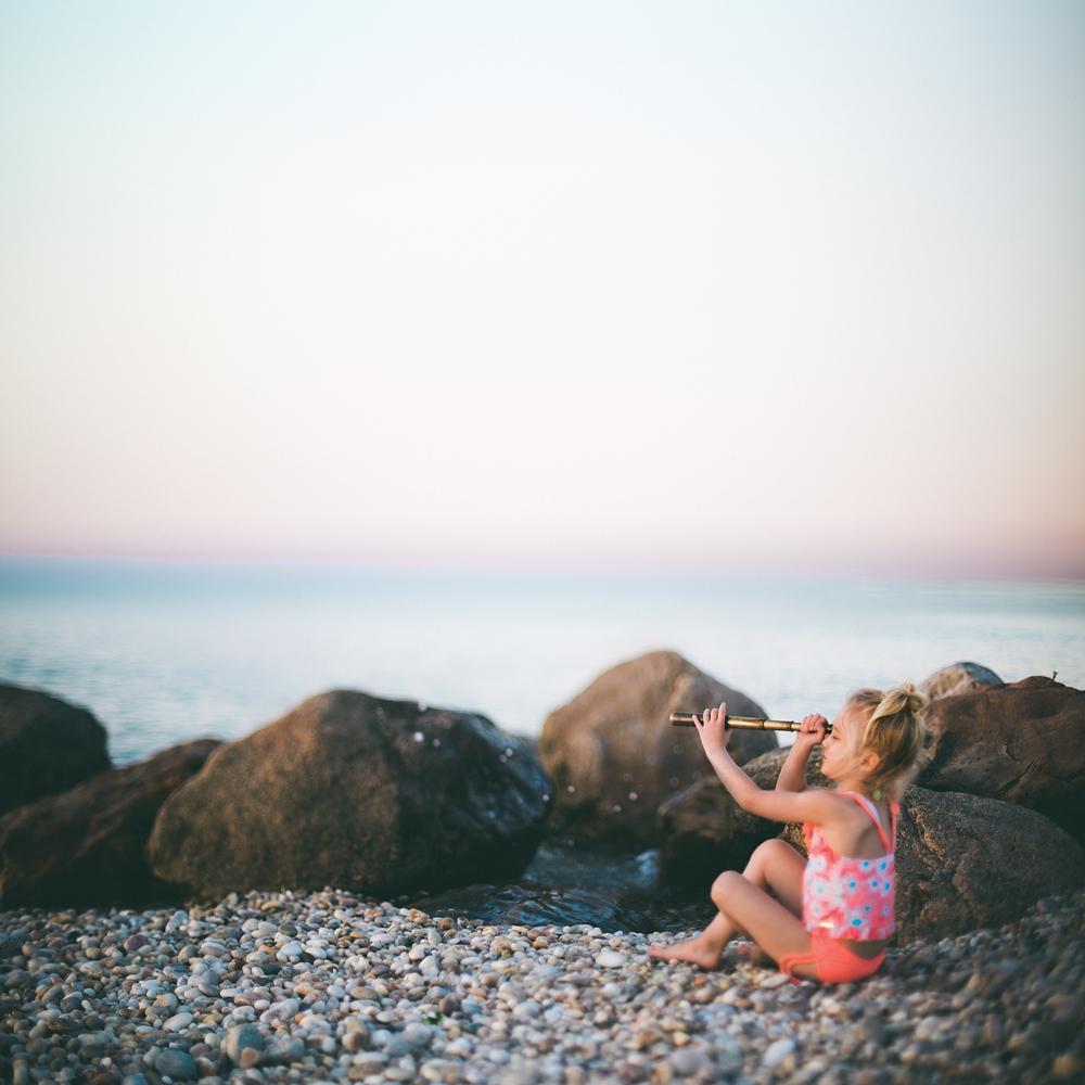 Hello-olivia-photography-long-island-photographer-family-kids-freelensing-beach-spyglass