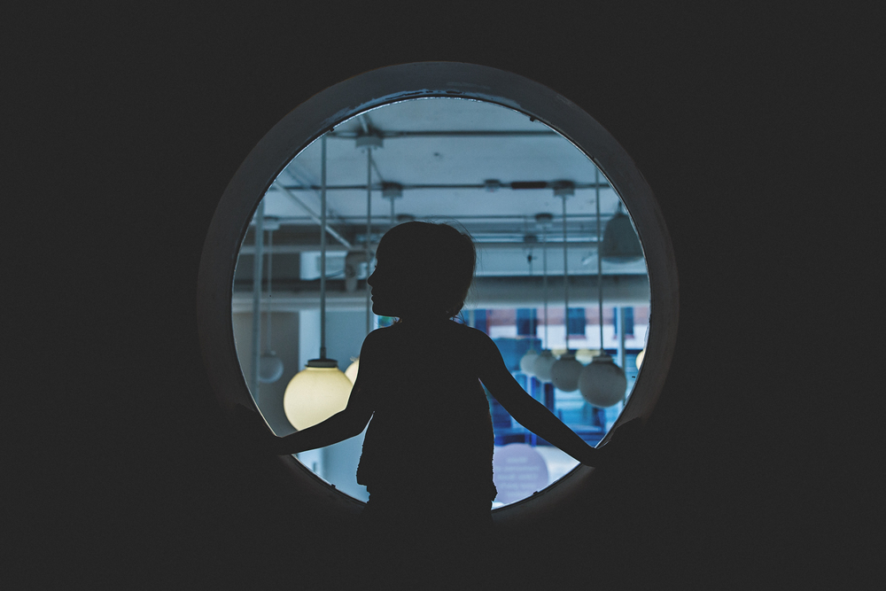 Hello-olivia-photography-long-lsland-family-children-documentary-photographer-childrens-museum-of-art-circle-silhouette