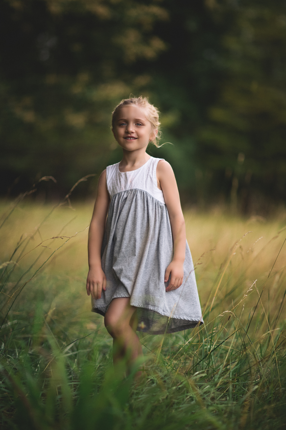 Long-island-photographer-hello-olivia-photography-family-child-dress-suffolk-field.jpg