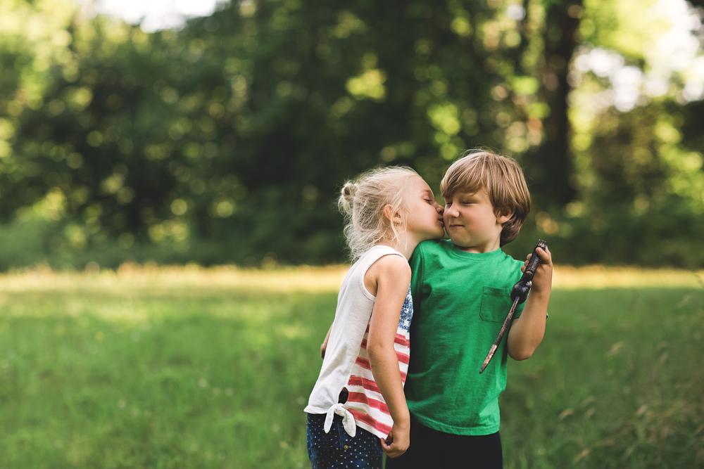 hello-olivia-photography-long-island-photographer-kissing-boys.jpg