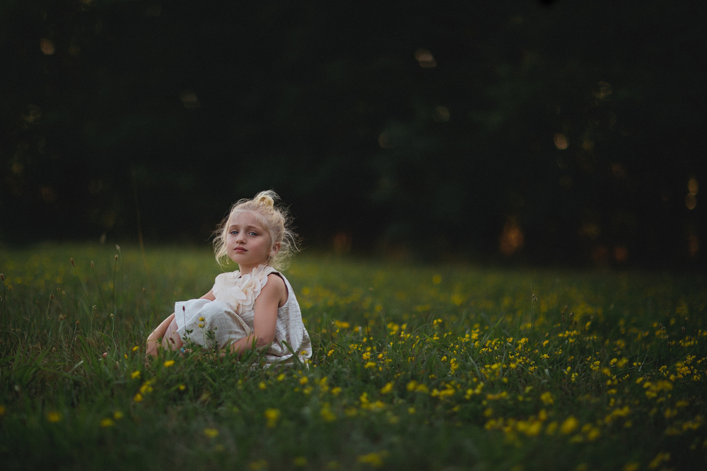 hello-olivia-photography-long-island-photographer-field-flowers.jpg