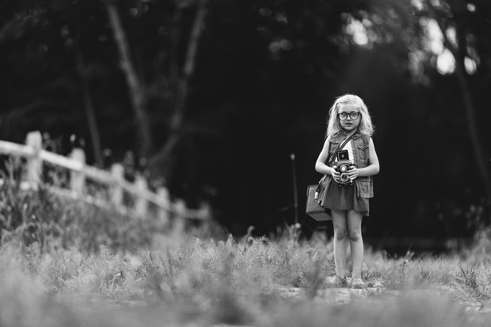 Long-Island-styled-stylized-photographer-fall-children-hello-olivia-photography-monochrome.jpg
