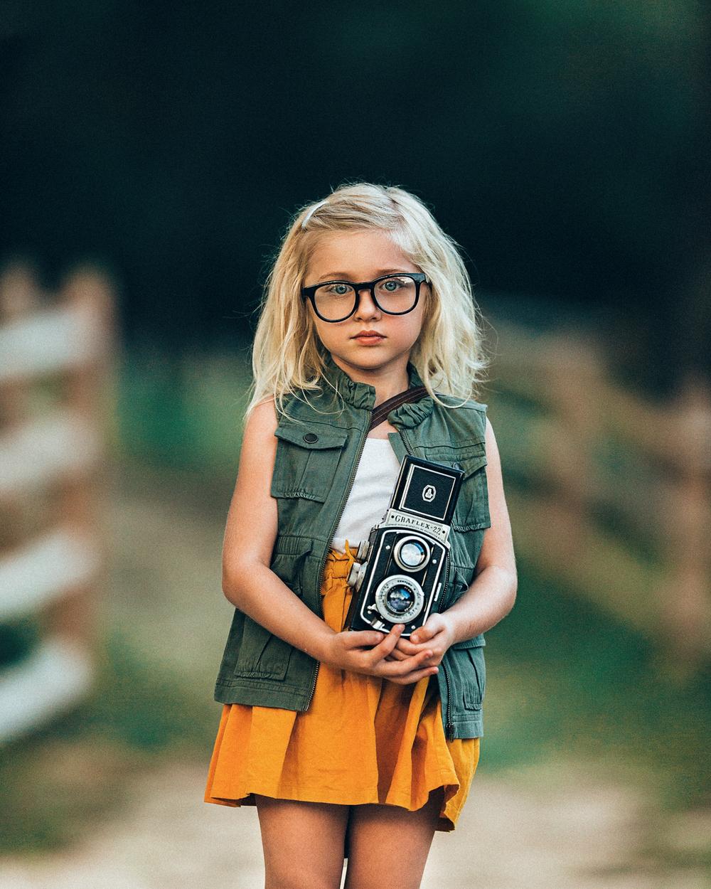 Long-Island-styled-stylized-photographer-fall-children-hello-olivia-photography.jpg