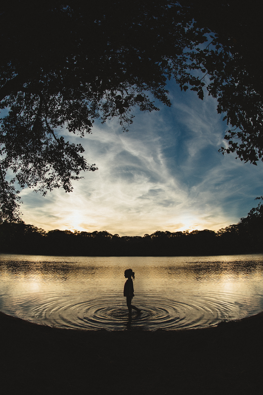 long-island-photographyer-hello-olivia-photography-silhouette-water-fisheye.jpg