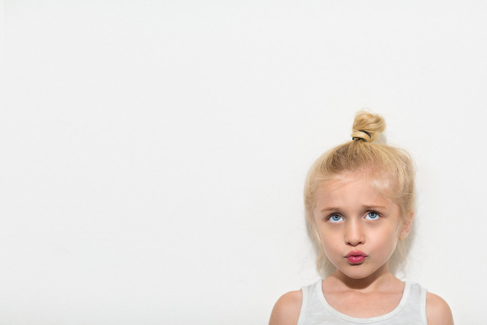 Hello-olivia-photography-Long-island-photography-children-session-family-lifestyle-kissy-face.jpg
