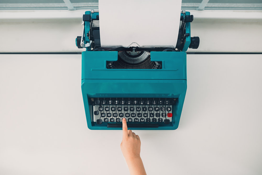 hello-olivia-photography-long-island-photographer-offset-artist-typewriter.jpg