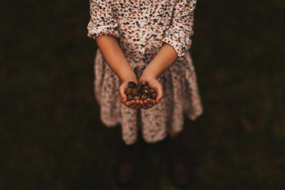 hello-olivia-photography-long-island-photographer-offset-artist-collecting-acorns.jpg
