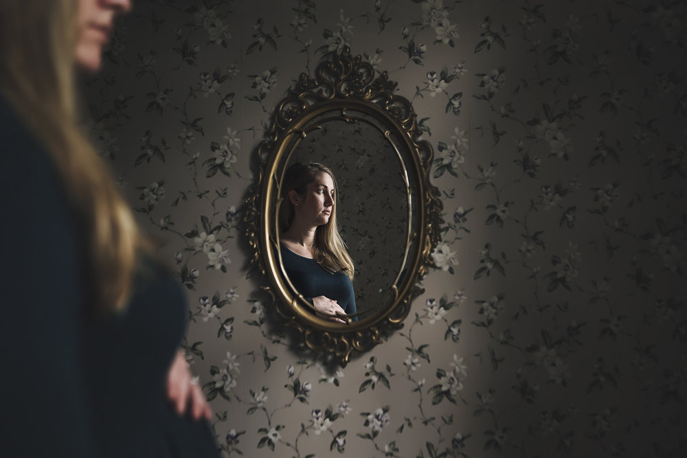 hello-olivia-photography-motherhood-self-portriat-mentor-mirror-long-island-documentary-pregnancy-third-trimester.jpg