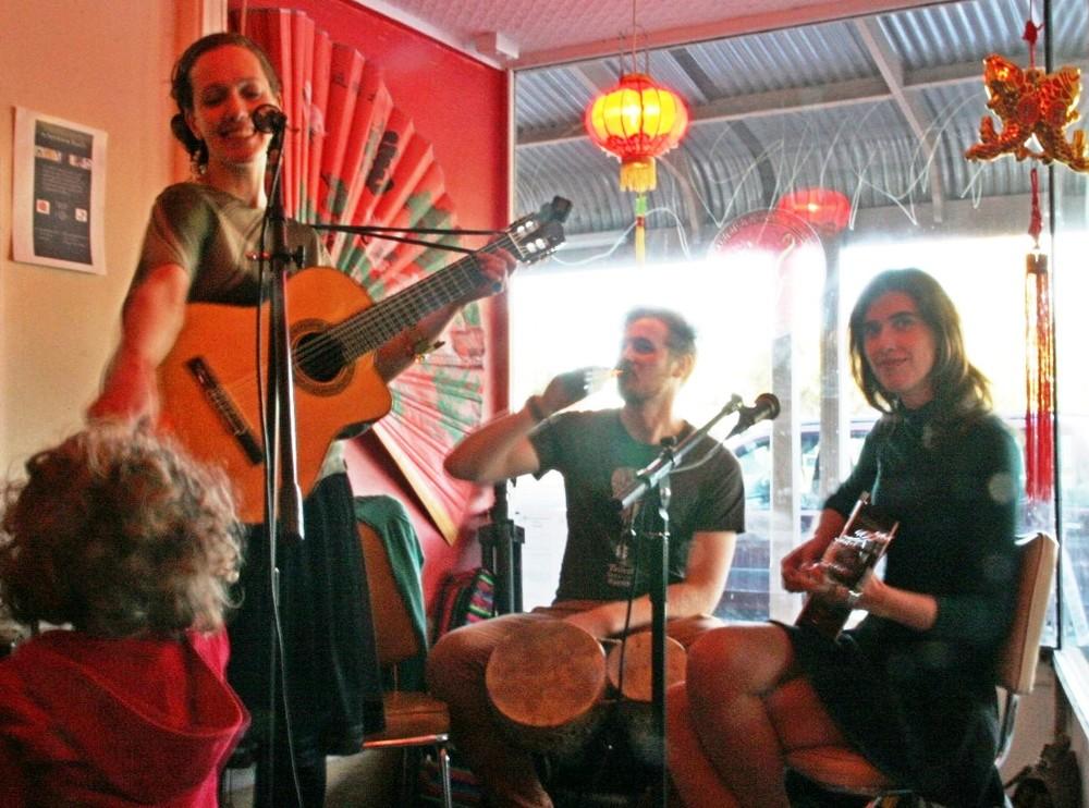 Chi Chi, World Music Trio @ Suzie Wongs Room