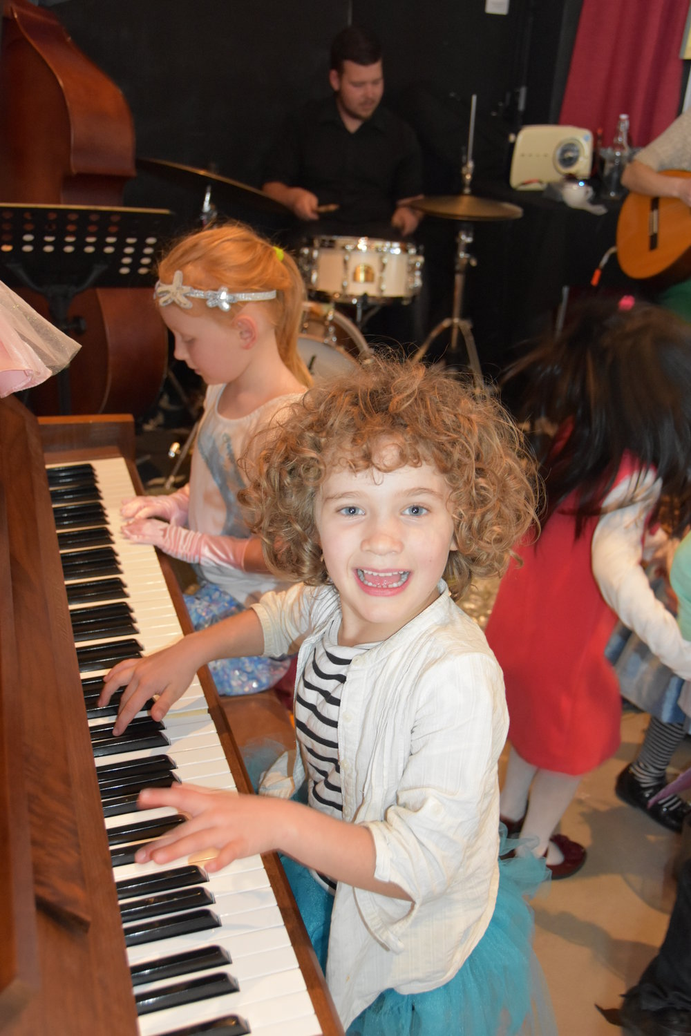Kids on keys jam with Band @ Boomers Kinder-Jazz.JPG