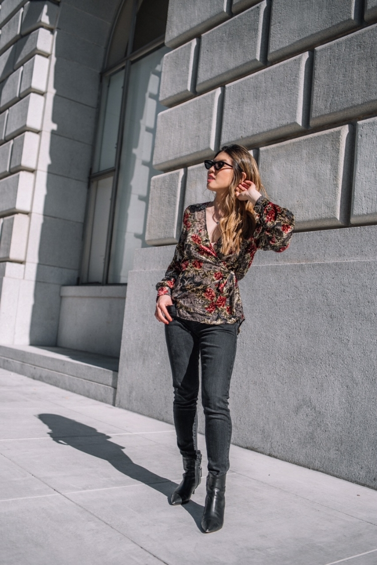 floral velvet top and jeans.JPG