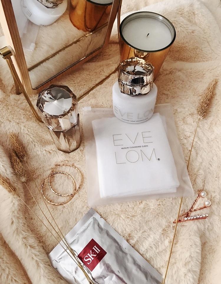 Eve-Lom-muslin-cloth.jpg