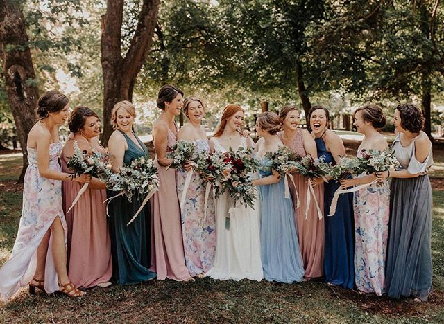 When you got allllll the bridesmaids! 😍 . . . . . . . . . . . #oregon #oregonphotographer #oregonweddingphotographer #oregonwedding #oregonbride #portland #portlandphotographer #portlandweddingphotographer #portlandweddingphotography #portlandwedding #portlandbride #bridetobe #elopementphotographer #oregonelopement #lookslikefilmweddings  #pdxweddingphotographer #pdxphotographer #pdxwedding #elopementlove  #pnwphotographer #pnwweddings #catholicmarriage  #greenweddingshoes #thatlight #lookslikefilm #belovedstories  #authenticlovemag  #theexchangeballroom  #bridesmaidinspiration