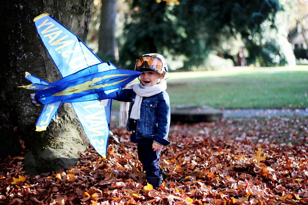 KID COSTUMES : BLUE ANGELS FIGHTER JET PILOTS - ALL KIDS ARE GIFTED