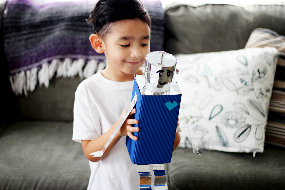 DIY Projects - VALENTINE'S DAY SITTING ROBOT - All Kids Are Gifted
