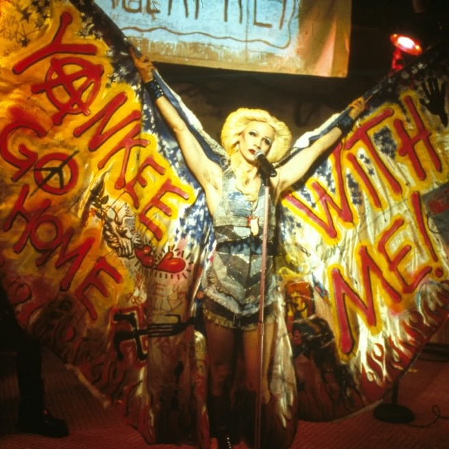 HEDWIG AND THE ANGRY INCH (John Cameron Mitchell, 2001) Duke's at Komedia.  08/03/13