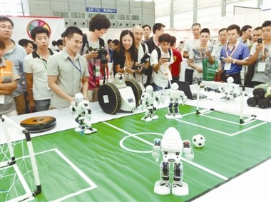 Robotics lessons teach skills students can carry over to creative science fair projects