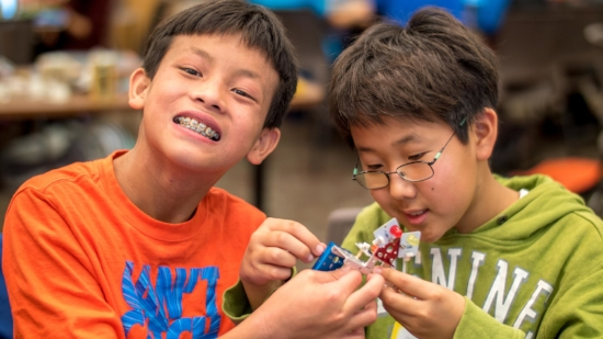 Elementary School Robotics that Promote Leadership